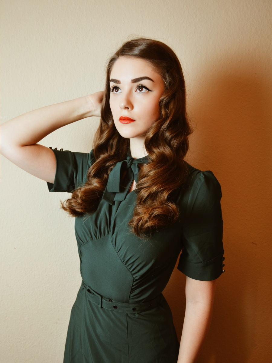 How To Create Vintage Waves - Hair Tutorial